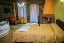 Suite Fireplace - Jacuzzi