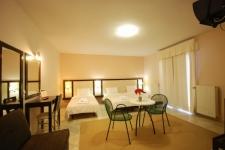 Trpl bedroom Classic